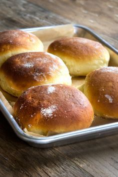 GF Hawaiian rolls. This recipe includes video tutorials for shaping, and also detailled recipe for the flour blend. Pectin in the flour? Interesting!