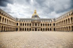 Les Invalides, Paris a complex of buildings housing museums and monuments all relating to the military history of France #Paris #StudentFlights #GoYourOwnWay #Travel