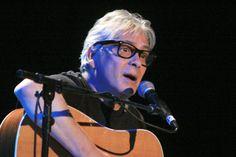 Eric Guilleton - Festival Chansons de Parole 2012 - Chant Libre - Barjac m'en Chante - Photo AM. Panigada