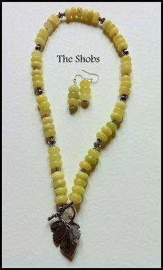 "£25  Chinese ""Jade"" Necklace set.."