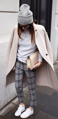 fall+outfit+inspiration:+hat+++plaid+flannel+pants+++coat+++bag+++top