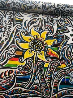 East Side Gallery, Berlin East Germany, Berlin Germany, Berlin Christmas Market, Christmas Markets, East Side Gallery, Guitar Painting, Places Of Interest, Street Art Graffiti, Photo Art