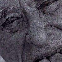 Segundo o filósofo francês Jean-Paul Sarte, Bukowski foi o maior poeta da américa. A poesia de Bukowski privilegia a vida marginal ao sonho americano, e não é raro haver em seus poemas histórias e reflexões sobre carros roubados, jovens e tristes prostitutas, relegados de toda a espécie. Bukowski deu espaço para uma porção dos Estados Unidos que o país tanto busca esconder. Bukowski é o porta-voz dos anjos caídos da América.
