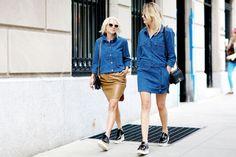 Jeanskleid, Jeanshemd, Lederrock // denim dress, denim shirt, leather skirt