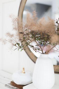 Craftberry Bush | Living Room Fall Decor | http://www.craftberrybush.com