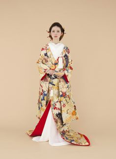 Pin on Traditional inspo Pin on Traditional inspo Oriental Fashion, Ethnic Fashion, Kimono Fashion, Japanese Wedding Kimono, Japanese Kimono, Traditional Fashion, Traditional Dresses, Modern Kimono, Kimono Design