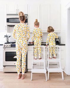Favourite Matching Outfits for the Whole Family Mother Daughter Outfits, Mommy And Me Outfits, Kids Outfits, Modest Outfits, Matching Family Pajamas, Matching Family Outfits, Mother Daughter Matching Pajamas, Cute Family, Family Goals