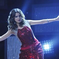 Ally Surprises Just About Everyone With Her Dancing Skills on 'Austin & Ally' Tonight: Photo Maybe Austin needs to take dance lessons from Ally and Becky G, because from the looks of it, they are killing it on stage in these stills from Austin & Ally! Vanessa Marano, Laura Marano, Disney Channel Original, Amazing Songs, Austin And Ally, Becky G, Ross Lynch, Bad Hair Day, Pretty In Pink