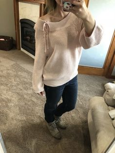 Shop the Look from ReneeNicole- on ShopStyleThis sweater is on sale plus another off this weekend! What a steal a. Petite Fashion, Plus Size Fashion, Womens Fashion, Errands Outfit, Casual Outfits, Cute Outfits, Athleisure Wear, Weekend Outfit, Mom Style