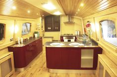 Mirfield Boat Company Luxury Class for sale UK, Mirfield Boat Company boats for sale, Mirfield Boat Company used boat sales, Mirfield Boat Company Narrow Boats For Sale The Mirfield Boat Company Luxury Class Widebeam FOR SALE - Apollo Duck