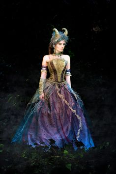 Minus the horns I love this as a fairy dress. Titania, Queen of Faeries by ~TheIronRing. #Costume