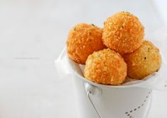 These Potato Balls from Jehan Can Cook will be a party favorite - and they're easy to make. Combine mashed potato, cheddar cheese, and panko and give 'em a quick fry. Other Recipes, Side Dish Recipes, Mashed Potato Balls Recipe, Cheddar Potatoes, Mashed Potatoes, Chips, Potato Dishes, Potato Recipes, Appetizer Recipes