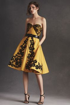 Peter Copping Presents His First Resort Collection for Oscar de la Renta