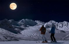 Night skiing illuminated by full moon's light  news.mondoneve.it/engadina-sciare-al-chiaro-di-luna_5959.html