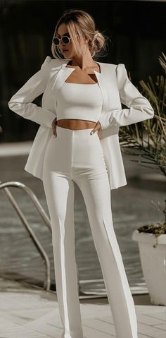 Glamouröse Outfits, Casual Dress Outfits, Classy Outfits, Stylish Outfits, Fashion Outfits, Elegantes Business Outfit, Elegantes Outfit, Suits For Women, Clothes For Women