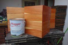 Aplikácia Flugger lazurovacieho laku na červený smrek. Canning, Wood, Classic, Derby, Woodwind Instrument, Timber Wood, Trees, Classic Books, Home Canning