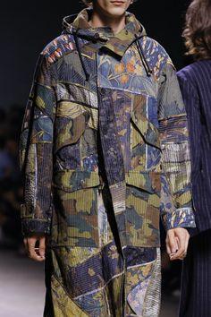Dries Van Noten Spring 2017 Menswear Accessories Photos - Vogue  URL : http://amzn.to/2nuvkL8 Discount Code : DNZ5275C