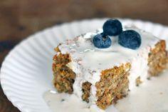 Of het de wens van íedere vrouw is laten we even in het midden. We vermoeden van wel. Het is in ieder geval ónze wens: gezonde taartjes eten. Ze bestaan. En we eten ze -hoe gek het ook klinkt- het ... Sugar Free Recipes, Sweet Recipes, Cake Recipes, Dessert Recipes, Healthy Baking, Healthy Snacks, Healthy Recipes, Cookie Desserts, Cake Bars