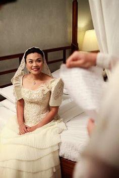 For my 2013 wedding, we're going for Spanish-Filipiniana. Filipiniana Wedding Theme, Modern Filipiniana Dress, Wedding Gowns, Filipino Wedding, Girls First Communion Dresses, Dream Wedding, Wedding White, Wedding Dreams, Traditional Wedding Dresses