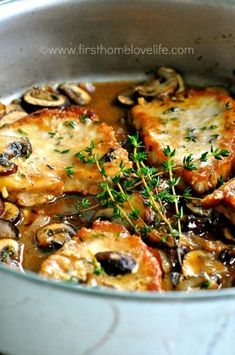 Pork Chop Marsala at Francesca's the other night. Was so incredible I decided I have to make it. Found this recipe. Would double the sauce, maybe double the mushrooms, use thick cut bone-in chops, and add flour after the mushrooms for a thicker sauce. Meat Recipes, Cooking Recipes, Healthy Recipes, Recipies, Pork Recipes With Sauce, Syrian Recipes, Pork Recipes For Dinner, Spinach Recipes, Pork Marsala