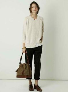 white loose sweater + black boyfriend slim jeans + brown oxford shoes