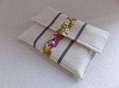 pochette portefeuille multiusage en toile basque écru par FeeHome Etsy Shop