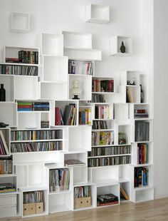 59 ideas for wall storage cubes book shelves Bookshelf Design, Bookshelves, Bookcase, Bookshelf Ideas, Wood Box Shelves, Wall Shelves, Cube Shelves, Decorative Storage, Storage Shelves