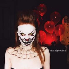 20 Maquiagens para o Halloween 2018 20 Halloween Makeups 2018 – Scary Makeups for you to make beautiful at any party! Check out our Halloween make-up suggestions. Halloween Makeup Clown, Amazing Halloween Makeup, Halloween Inspo, Scary Halloween Costumes, Halloween Makeup Looks, Halloween Kostüm, Creepy Clown Makeup, Scary Clowns, Pennywise The Clown