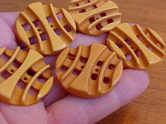 SET OF 5 VINTAGE GOLD BAKELITE CROSS-SLATTED BUTTONS 1-1/8 Inches