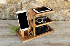 Personalized Wooden Organizer For Phone, Wood Desk Office Tidy Stand For Gift, Charger iWatch Docking Station, Desk Accessories Husband Gift Wood Phone Holder, Wood Phone Stand, Iphone Stand, Cell Phone Holder, Iphone 8, Diy Wood Projects, Wood Crafts, Woodworking Projects, Desk Tidy