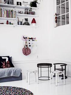 black-white interior inspiration | Coos-je - Scandinavian Interior and LifestyleCoos-je