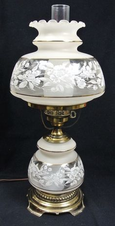 Quoizel Satin Lace Table Lamp Gone With the Wind - Antique Hurricane Lamps, Hurricane Lamp Shade, Antique Oil Lamps, Antique Glassware, Antique Lighting, Victorian Table Lamps, Vintage Lamps, Lamp Design, Design Design