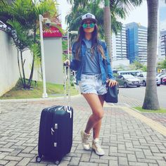 Look despojado jeans e boné #Aerolook Cap Girl, Jeans, Kanken Backpack, Look Fashion, Snapchat, 18th, Salvador, Instagram Posts, Fashion Trends