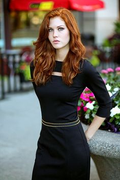 angel-ginger-heavenly:  Absolutely stunning!  ♥ Gorgeous RedHeads ♥