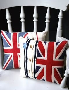 stylish union jack cushions, pillow, british, home decor Wonderful website Union Jack Pillow, Union Jack Cushions, Deco London, Union Jack Decor, British Decor, Sewing Projects, Craft Projects, Union Flags, British Things
