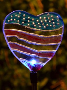 Patriotic heart light for the garden works for Fourth of July or Valentine's Day. This idea comes from Ben Sperandeo of Buffalo, NY. Click the picture to find out how he makes them.
