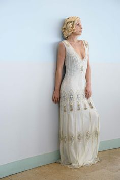 Vintage Wedding Vicky Rowe dresses: A Debut Collection of and Inspired Heirloom Style Wedding Dresses 1920s Wedding Gown, Sexy Wedding Dresses, Bridal Gowns, Gatsby Wedding, 1920s Bridesmaid Dresses, Flapper Wedding, Flapper Dresses, Green Wedding, Party Wedding