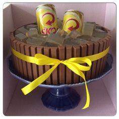 Fazendo Encanto: Bolo KitKat cerveja Jack Daniels Birthday, Santa Marta, 21st Birthday, Birthday Beer, Chocolate Cake, Buffet, Cake Recipes, Recipies, Bar