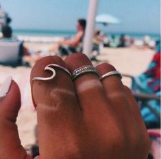 Simple Surf Wave Beach Ocean Ring DESCRIPTION & DETAILS Simple and dainty this ring features a unique nature inspired surf wave design. Bff, Beach Aesthetic, Summer Aesthetic, Aesthetic Rings, Aesthetic Beauty, Aesthetic Girl, Beach Vibes, Summer Vibes, Outdoor Pics