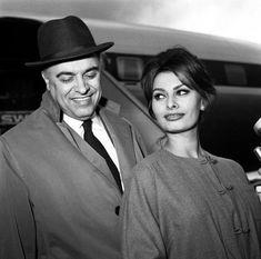 Loren Sofia, Sophia Loren, Italian Beauty, Italian Style, Actors Then And Now, Carlo Ponti, Old Hollywood Glam, Claudia Cardinale, Pin Up Girls