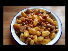 I know i have been missing once again .sorry i will keep trying promise xxx But in the meantime i have come up with this fantastic slow cooker recipe for a. Slow Cooker Chilli, Slow Cooker Recipes, Sausage Pie, Individual Pies, Brown Sauce, Evening Meals, Meals For One, Gnocchi, Family Meals