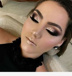 Gold glitter makeup perfect timming Make up Glitter Eye Makeup, Smokey Eye Makeup, Glam Makeup, Skin Makeup, Eyeshadow Makeup, Bridal Makeup, Makeup Brushes, Glitter Face, Gold Glitter Eyeshadow