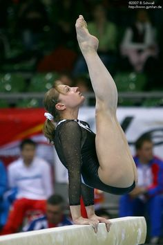 Gorgeous arched bare feet and beautiful bare legs Gymnastics Images, Sport Gymnastics, Artistic Gymnastics, Olympic Gymnastics, Olympic Sports, Olympic Games, Tumbling Gymnastics, Melissa Bender, Sporty Girls