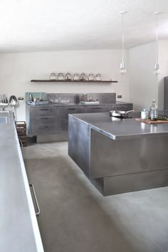 Kitchen:Ikea Stainless Steel Cabinet Doors Stainless Steel Home Kitchen Stainless Steel Kitchen Design Stainless Steel Kitchen Cabinets For Sale Used Stainless Steel Kitchen Cabinets Stunning Stainless Steel Kitchen Designs Brown Kitchens, Cool Kitchens, Metal Kitchen Cabinets, Kitchen Appliances, Stainless Kitchen, Stainless Steel Countertops, Industrial Style Kitchen, Cuisines Design, Küchen Design