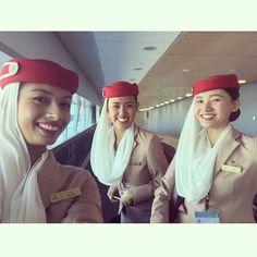 Emirates stewardess crewfie, Auckland International Airport @rosaa3_