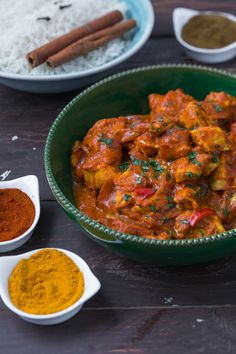 Chicken tikka masala- Chicken Tikka Masala: let yourself be transformed in the magical world of spices, perfumes and bright colors … Tikka Masala Chickem Poulet Tikka Masala, Indian Food Recipes, Asian Recipes, Healthy Recipes, Ethnic Recipes, Korma, Tikki Masala, Chicken Tikka Masala, Gastronomia