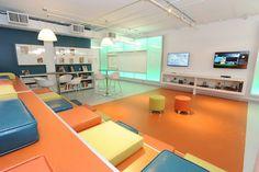 L'espace ados de la bibliothèque de Brossard (Qc) : En janvier 2014 a ouvert un tout nouvel espace ados à la bibliothèque Georgette-Lepage, à Brossard, près de Montréal. Exclusivement réservé aux jeunes âgés de 12 à 17 ans, cet espace est situé dans un ancien local d'entreposage de près de 135 m², au sous-sol de la bibliothèque et se voit, de fait, séparé physiquement du reste de l'institution, créant un lieu clos, où ils peuvent se réunir, partager des intérêts communs, jouer, travailler...
