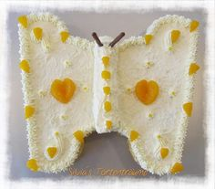 Silvia's Tortenträume: Schmetterlingstorte Schmetterling Cake Kuchen Tutorial Anleitung Käsesahne https://www.facebook.com/SilviasTortentraeume/photos/pcb.596360523798273/596360320464960/?type=1&theater