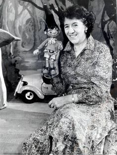 An unpublished novel by Enid Blyton is believed to have been discovered in an archive of the late children's author's work. Enid Blyton Stories, Enid Blyton Books, I Love Books, Good Books, My Books, Pose, Writers And Poets, Vintage Children's Books, Children's Book Illustration
