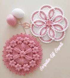 Nusret Hotels – Just another WordPress site Crochet Butterfly Pattern, Crochet Flower Tutorial, Crochet Square Patterns, Crochet Designs, Crochet Flowers, Crochet Stitches, Crochet Home, Crochet Crafts, Knit Crochet